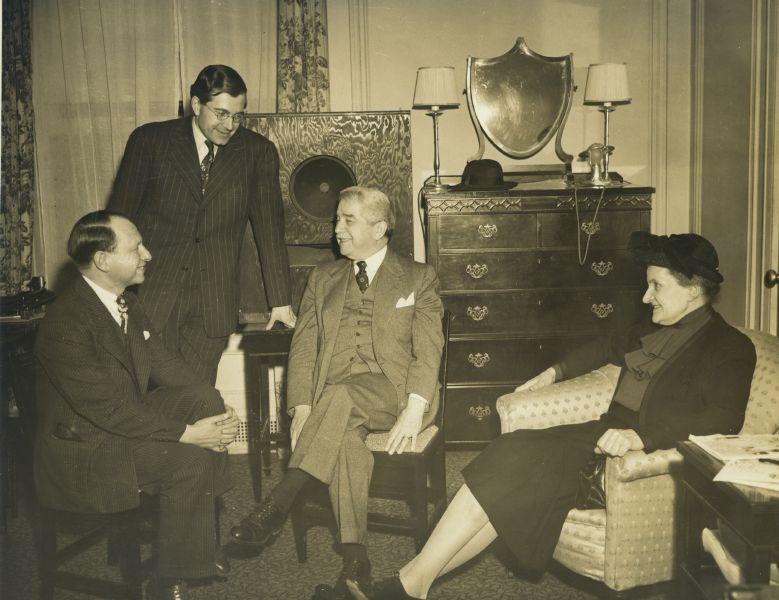 Tobe Deutschman, K. U. Schnabel, Artur Schnabel and Therese Schnabel, New York 1940\'s