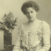 Therese Behr, 1902