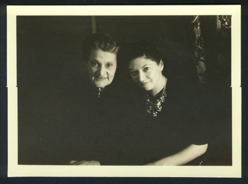 Therese and Helen Schnabel. New York, 1940's