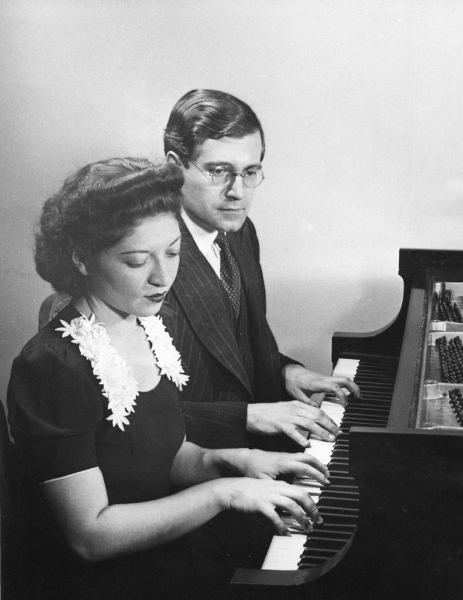 Helen and Karl Ulrich Schnabel playing, late 1930's