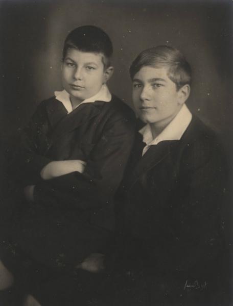 Stefan and Karl Ulrich Schnabel. Berlin 1925