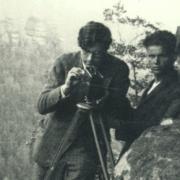 Karl Ulrich Schnabel filming, with F. Schnyder in background, 1932