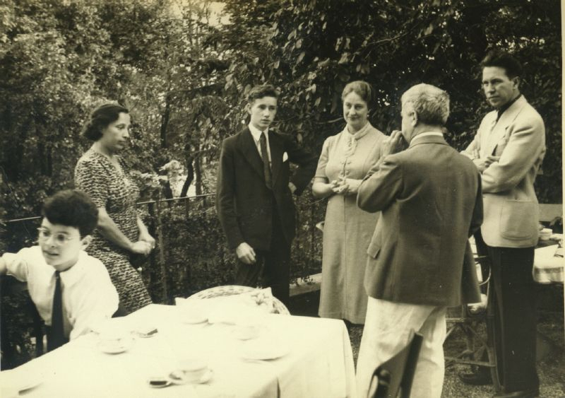 In the garden of Villa Ginetta, Tremezzo (Como) with students, 1938