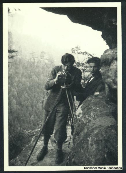 """Karl Ulrich Schnabel filming """"Das kalte Herz,"""" with F. Schnyder in background, 1932"""