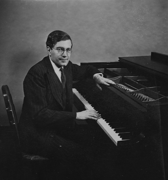 Karl Ulrich Schnabel at piano. New York, early 1940's