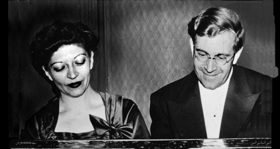 Photo H&KU Schnabel duo at Piano